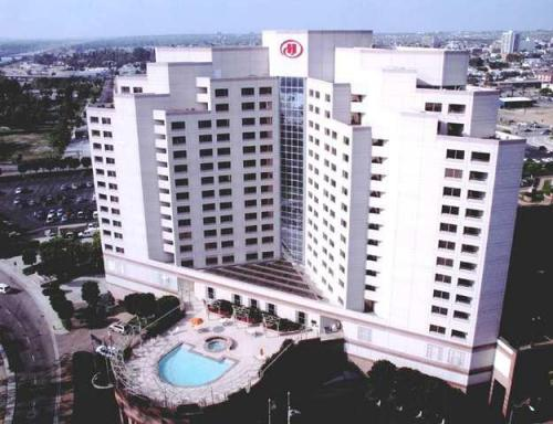 Hilton Long Beach & Executive Meeting Center