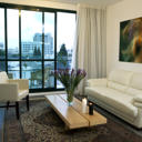 Located next to Tel Aviv's trendy Rothschild Boulevard, The Diaghilev offers large suites with free Wi-Fi. There is an on-site contemporary art gallery and frequent art events.