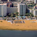 The beachfront Apartamentos Bajondillo in Torremolinos have an outdoor pool and free Wi-Fi. They offer a wide range of entertainment, and a free airport shuttle.