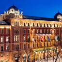 Built as a hotel for the World Exhibition in Vienna in 1873, the luxurious Palais Hansen Kempinski Vienna can be found right on the famous Ringstraße boulevard in the heart of the city, 10 minutes' walk from St.