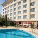 Set on the banks of the River Lez, this hotel features an outdoor swimming pool and a fitness centre. It is located a 10-minute walk from Montpellier City Centre and a 5 minute walk from the nearest tram stop.