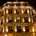 Very nice hotel on perfect location in Le Marais (gay area), with large beds