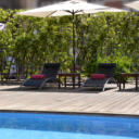 Acevi Villarroel offers free high-speed Wi-Fi, a spa and a rooftop pool, open in summer. Located 400 metres from Urgell Metro Station, it is a 15-minute walk from Barcelonas Plaza Catalunya.